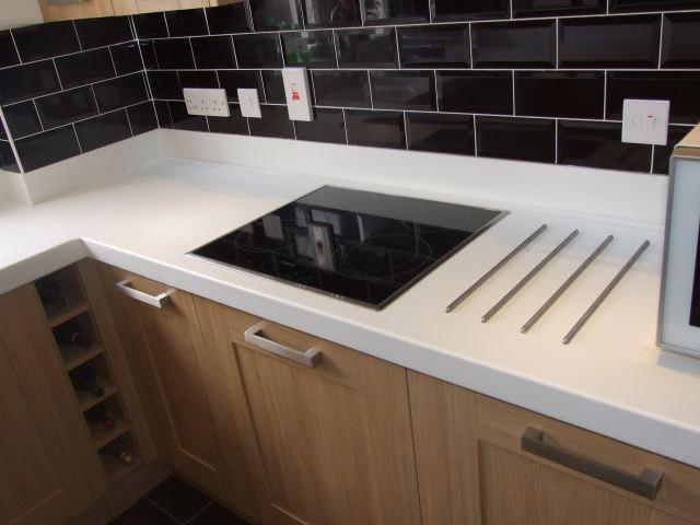 Fg muebles de cocina complementos mesadas corian dupont for Complementos para muebles de cocina